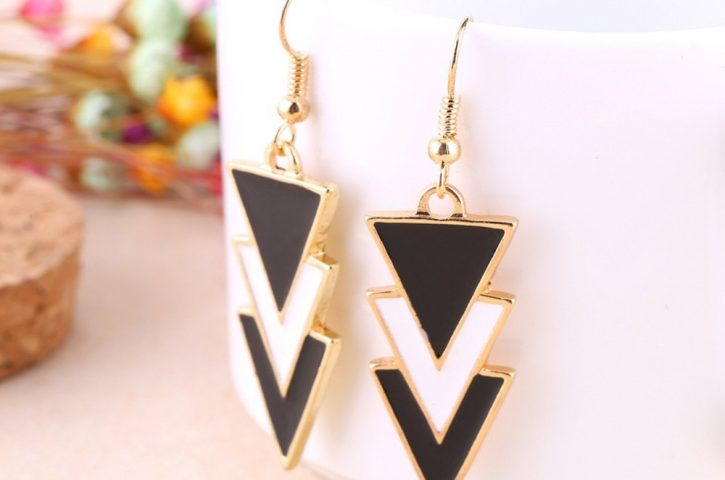 Light Weight Earrings for Women – Statement drop earrings
